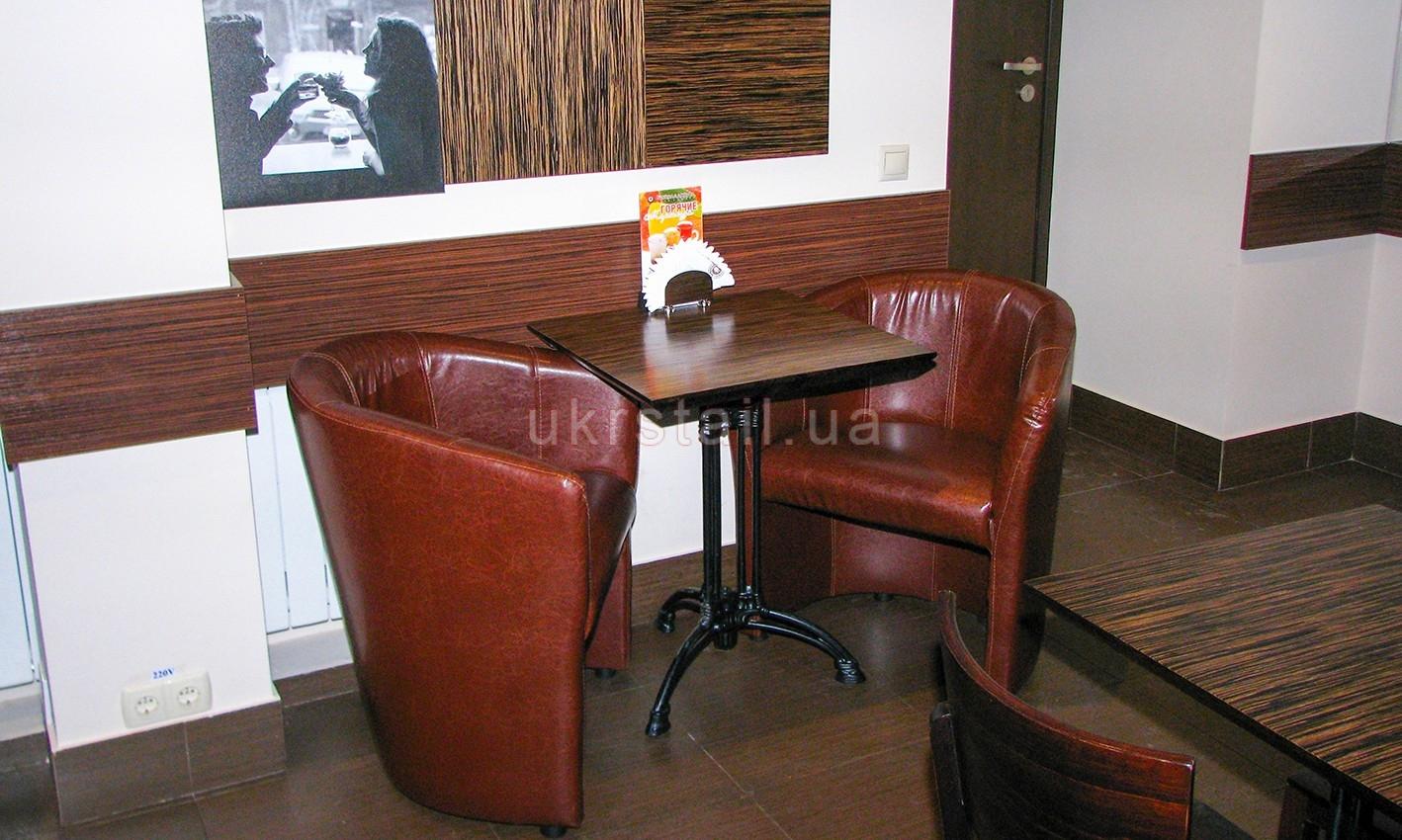 Кресла и стол кафе Шоколадница Киев 07