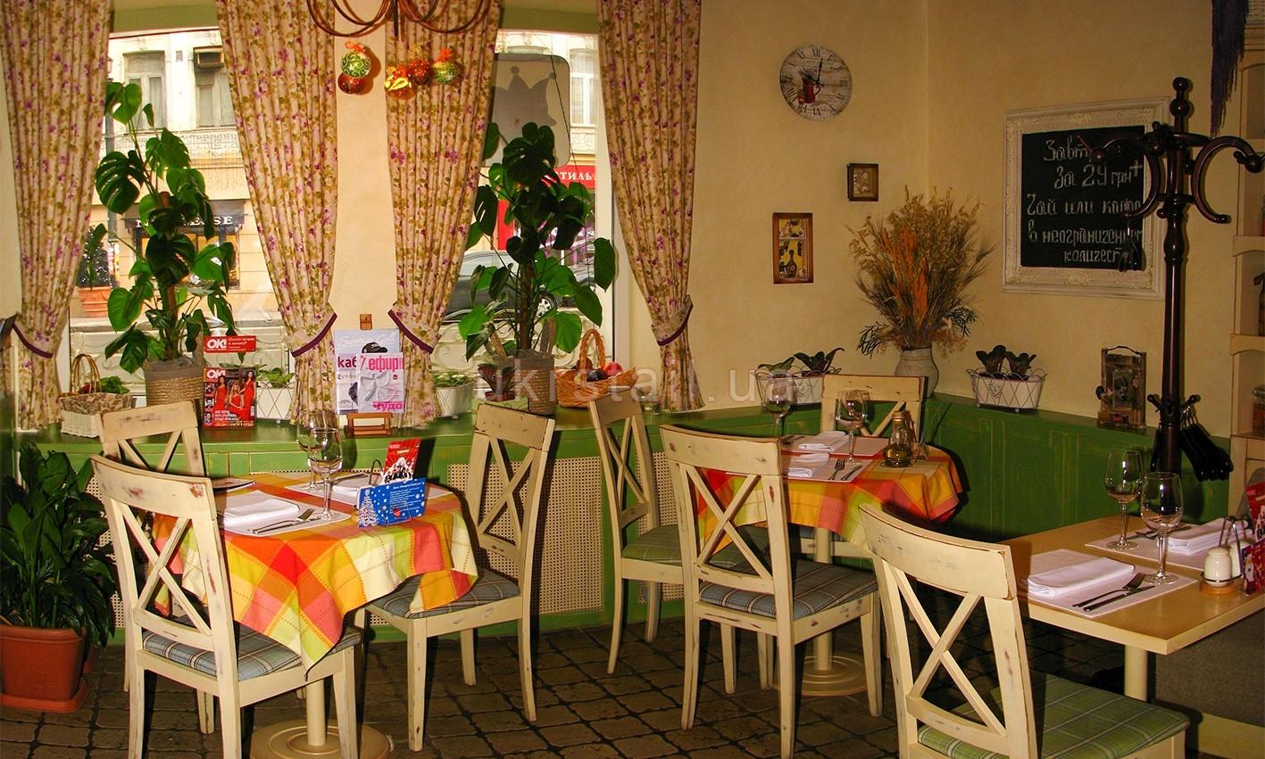 Мебель ресторана Месье Оливье Киев 02