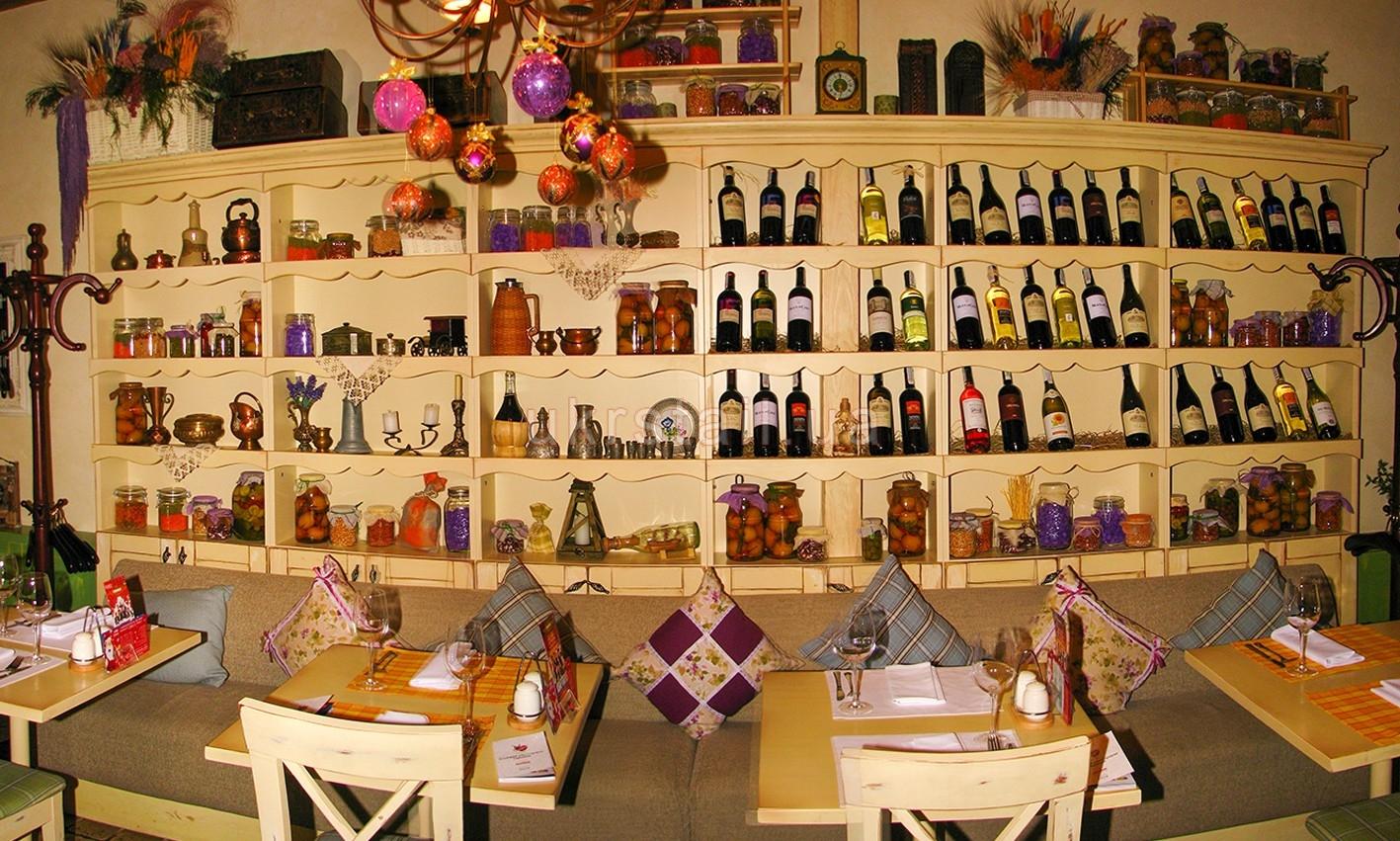 Шкаф ресторана Месье Оливье Киев 03