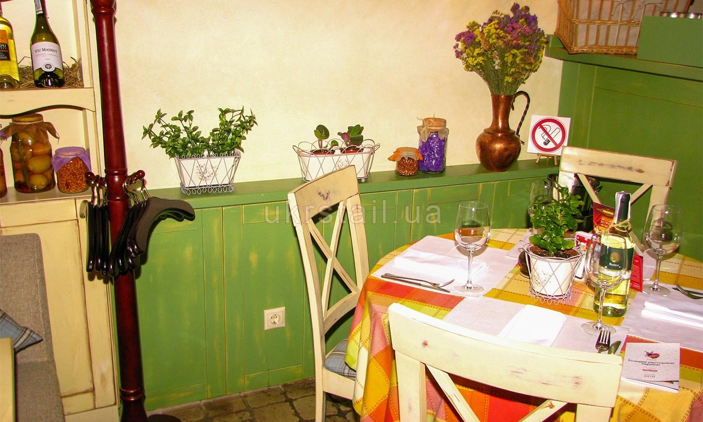 Обшивка стен ресторана Месье Оливье Киев 04