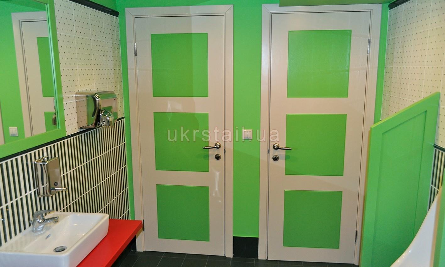 Двери в санузел ресторана Оливье Киев 13