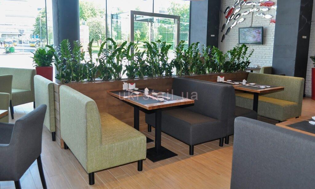 Столы ресторана Мураками в ТРЦ Ocean Plaza 01