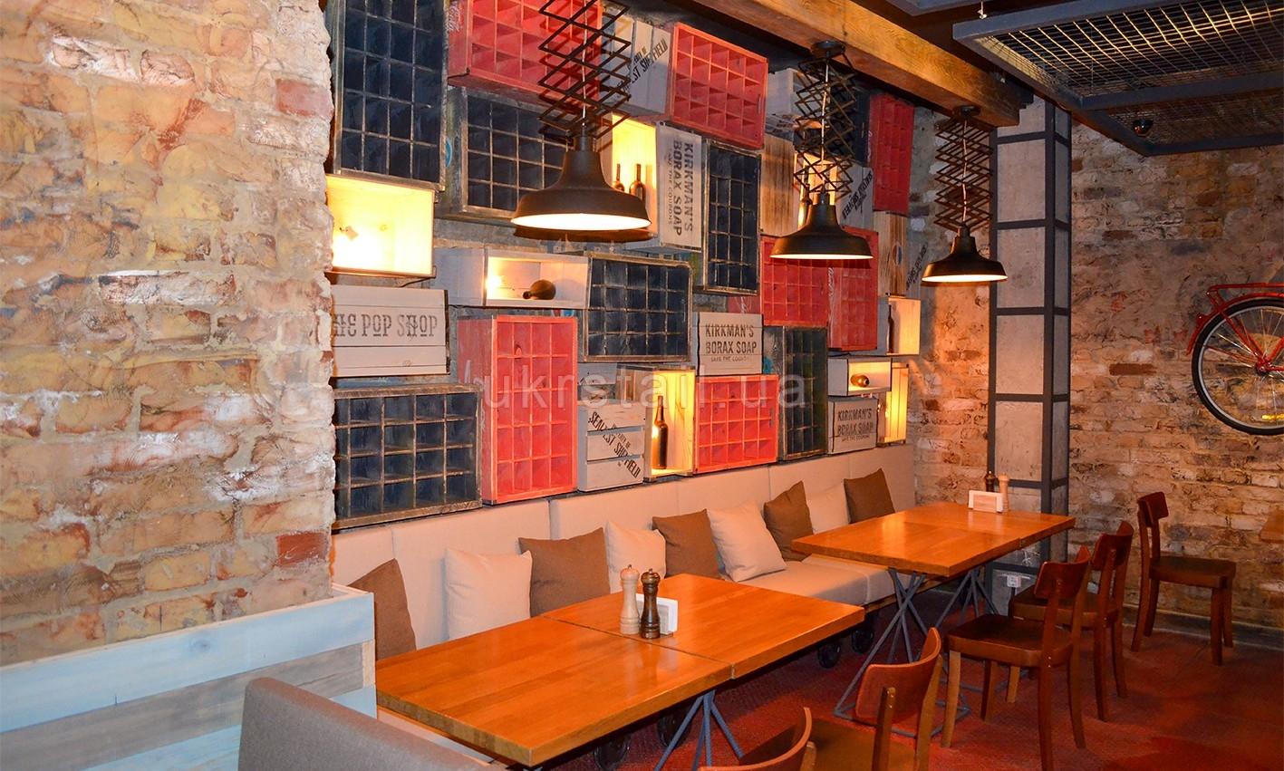 Мебель на заказ кафе Жадный Лось Киев 08