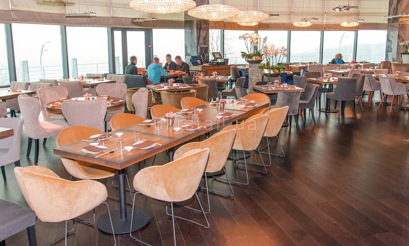 Интерьер ресторана Guramma на Днепровском спуске 11