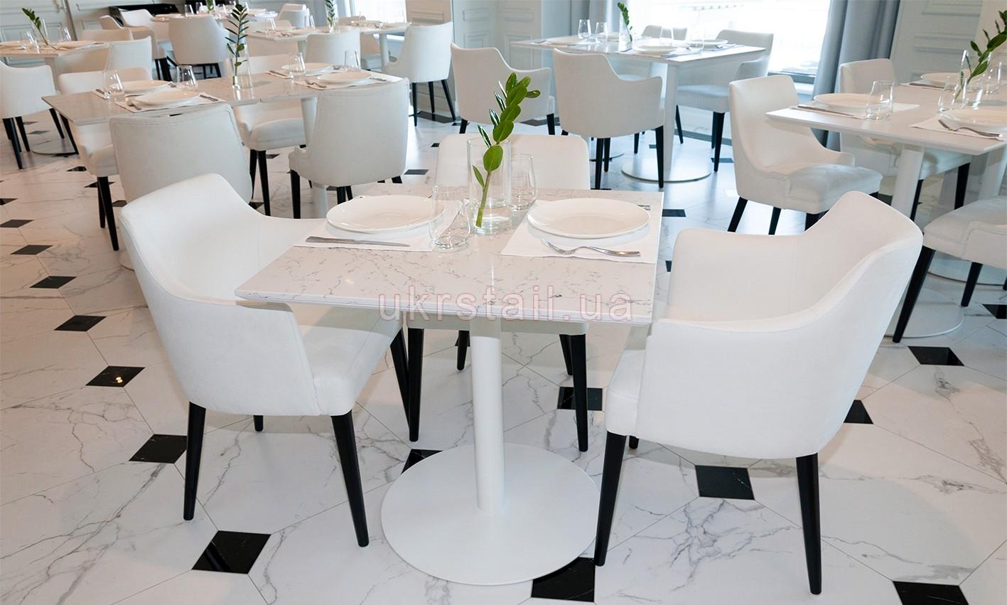 Стол Vogue Cafe Kiev в гостинице Fairmont 08