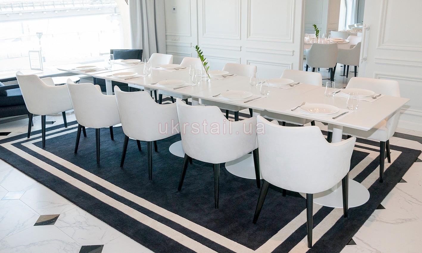 Интерьер банкетного зала Vogue Cafe Kiev в гостинице Fairmont 13